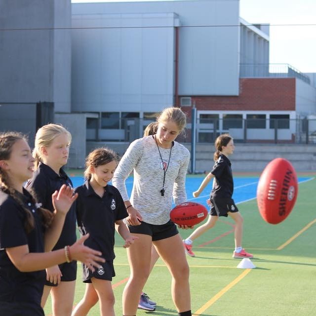 Who will be joining @i.huntington next week at our Futures Skills Development program and celebrating our 2-year anniversary?Our head coach and co-founder from the @melbourneaflw Katherine Smith (@smitty013 ). On the field Smitty is strong and reliable, often acknowledged for her defensive efforts. Off the field, Smitty has over 6 years of coaching experience and was previously awarded Victorian Female Coach of the Year. Smitty is excited to pass on her knowledge to the future generation of female footballers 🌟 ⠀⠀⠀⠀⠀⠀⠀⠀⠀ Futures Skills Development Details:⠀ Tuesday 9th April ⠀ 10am till 3pm⠀ Kingswood College, Box Hill⠀ $99.95 plus Free GFA 2 Year Anniversary Tee (includes GST)⠀ Register: https://www.girlsfooty.com.au/register/futures-skills⠀ ⠀⠀⠀⠀⠀⠀⠀⠀⠀ #girlsfootyaus #dreambigger #aflw