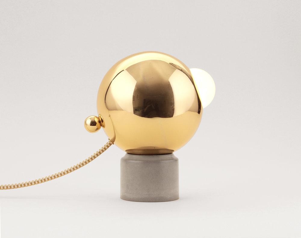 IO-TABLE LAMP