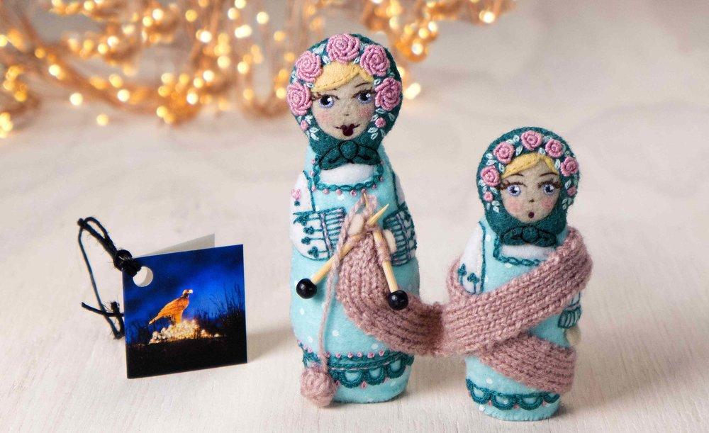Snoq Queen's knitting ladies.jpg