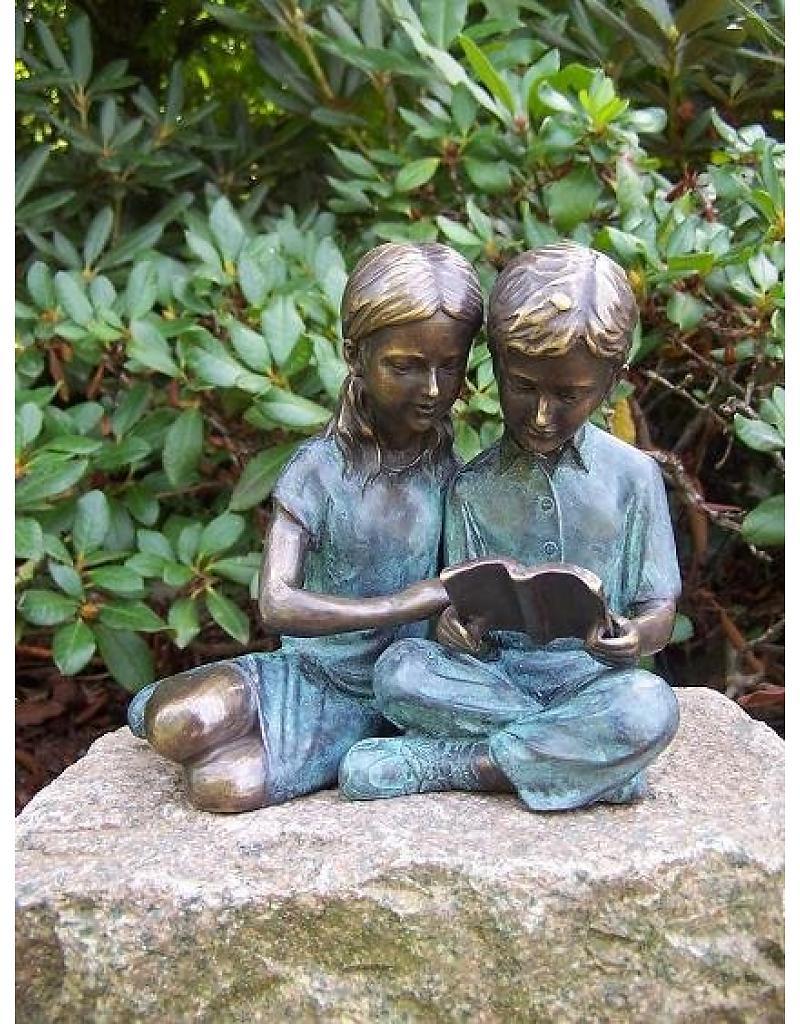 beeld-brons-lezende-kinderen.jpg