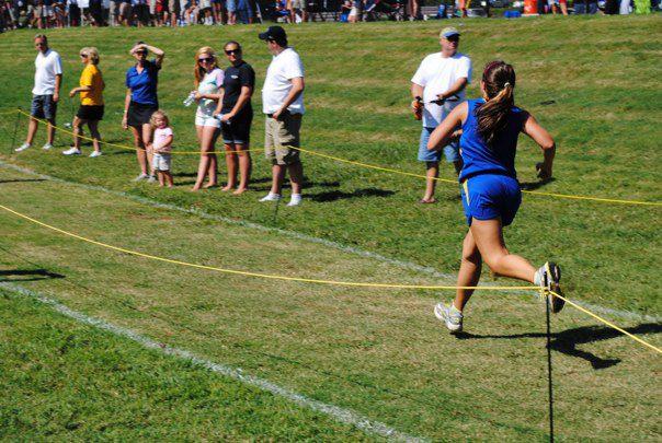 10th grade sammi runs to the finish