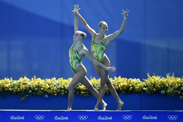Jacqueline Simoneau and Karine Thomas perform a routine at the Rio 2016 Olympics. (Contributed)