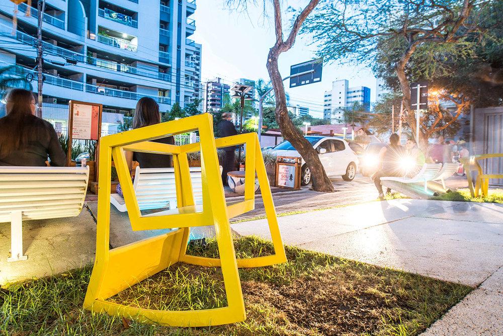 URock fazendo jus ao título de mobiliário urbano!