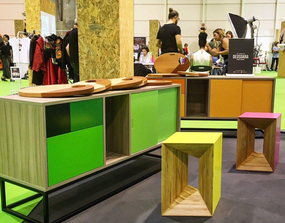 Três produtos do Studio em exposição