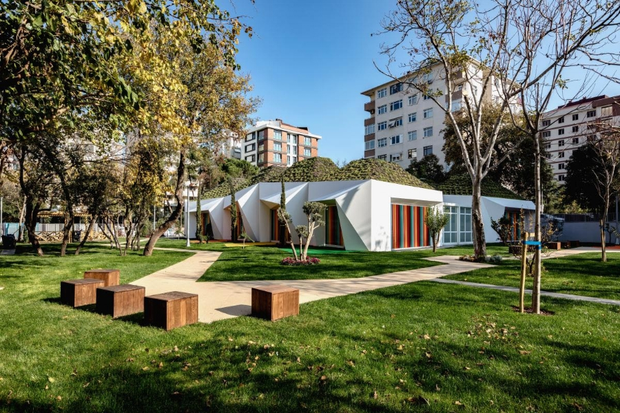 Bahriye Ucok Kindergarten - Dilekci Architechts | Image: Site World Architecture Festival