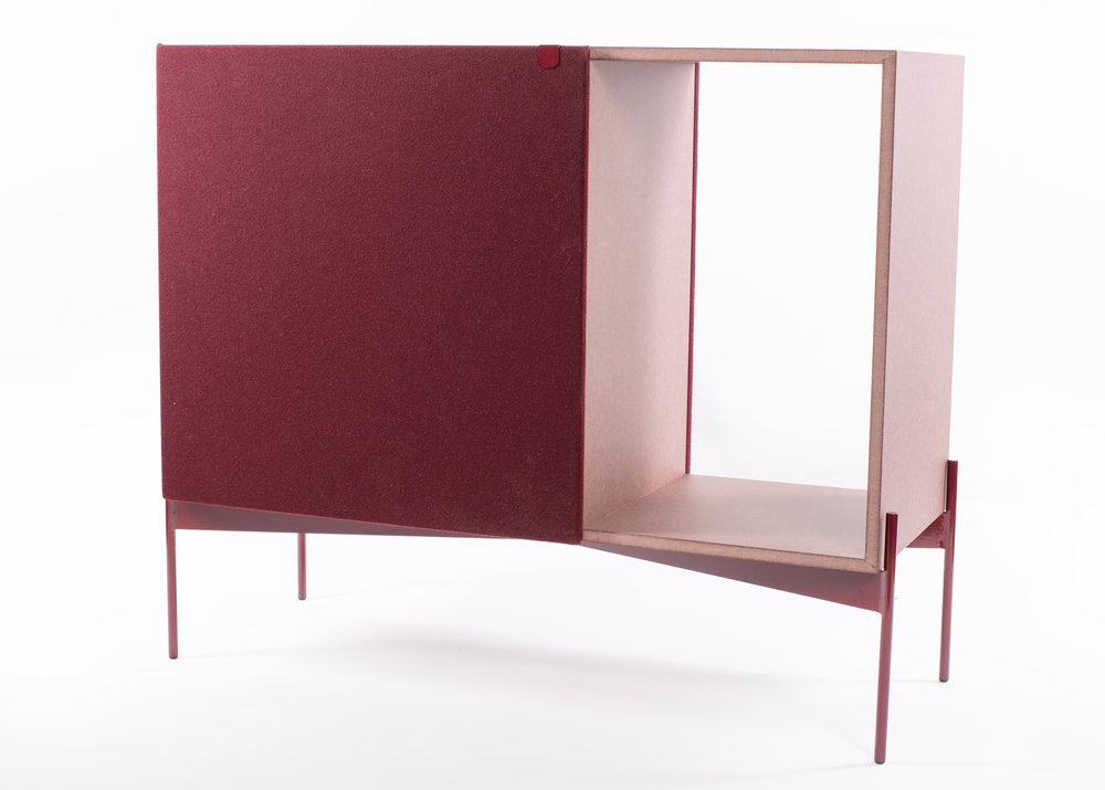 The Guarda Sideboard in it´s bordeaux version for the Burel and Valchromat.