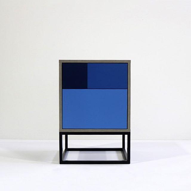 Real Side Table dressed in blue. Subscribe to our newsletter and get 10% off. . #sidetable #sidetabledecor #gooddesignshop #gooddesign #furnituredesign #furniture #design #bluesidetable #bluesideboard #blueisthewarmestcolor #designnewsletter