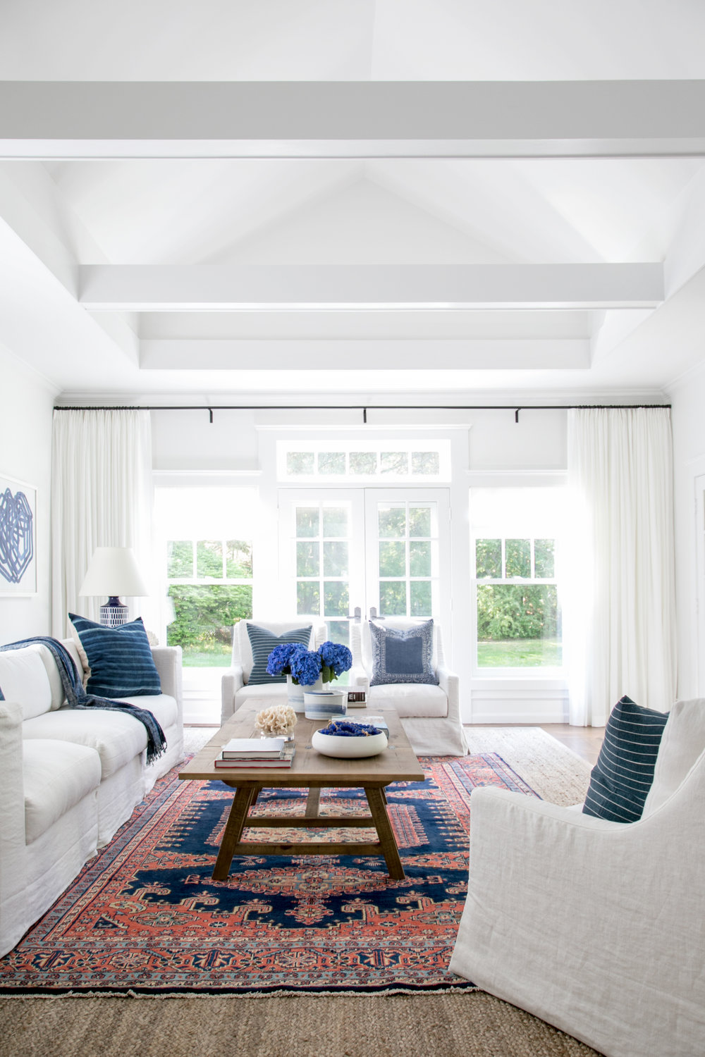 Awesome East Hampton New Traditional   Living Room Side.