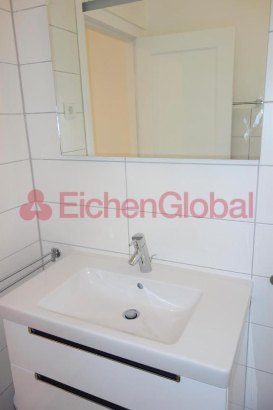 Schickes neu möbliertes Business Apartment Wohnung zum Mieten am Strausberger Platz Berlin - 12.jpg