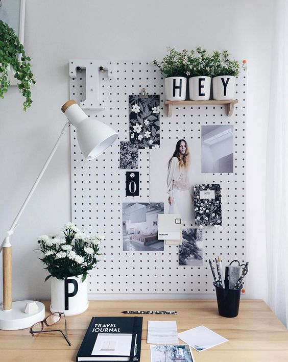 Add a touch of personality. - As well as being practical, a notice board gives you the chance to add a touch of personality to your desk.Image via Curate & Display