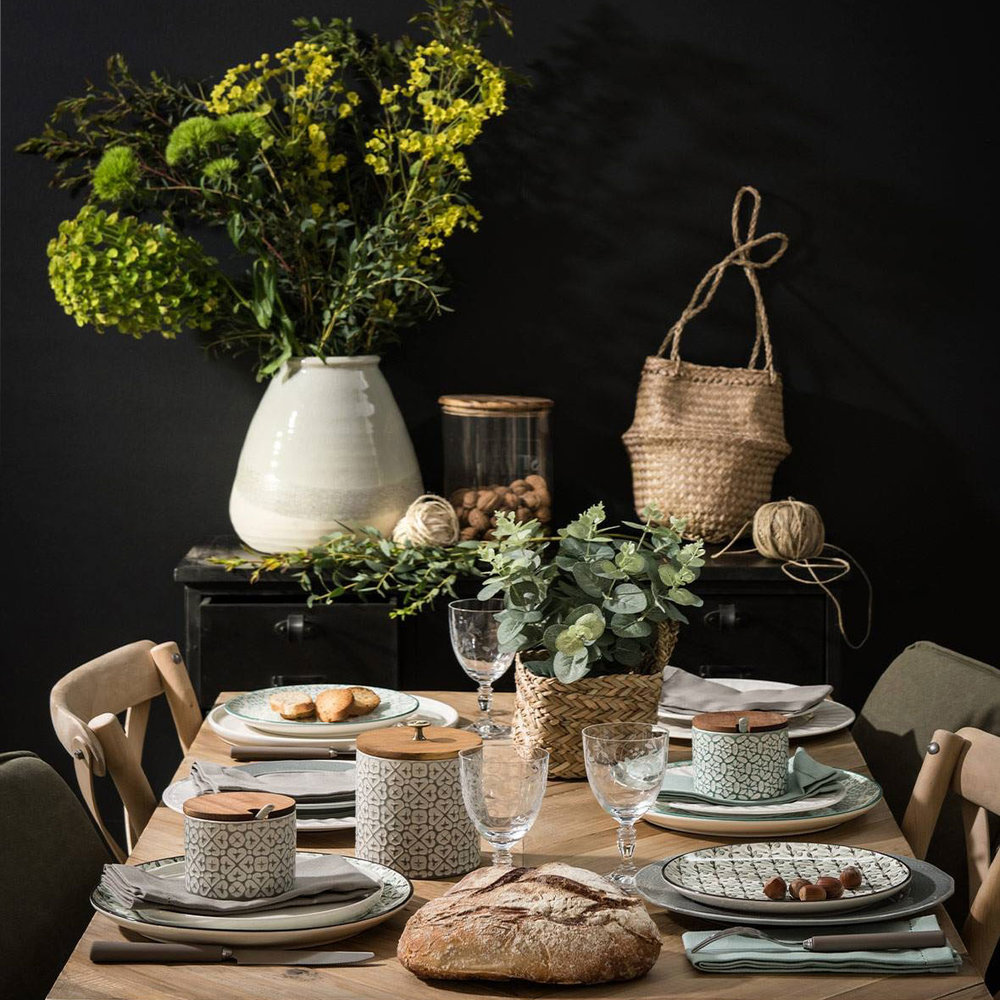 Whether it's jumping on board with the latest Nordic trend or coveting the colour of the moment, we'll keep you up to date with the latest looks to inspire your interiors. - IMAGE //MAISONS DU MONDE