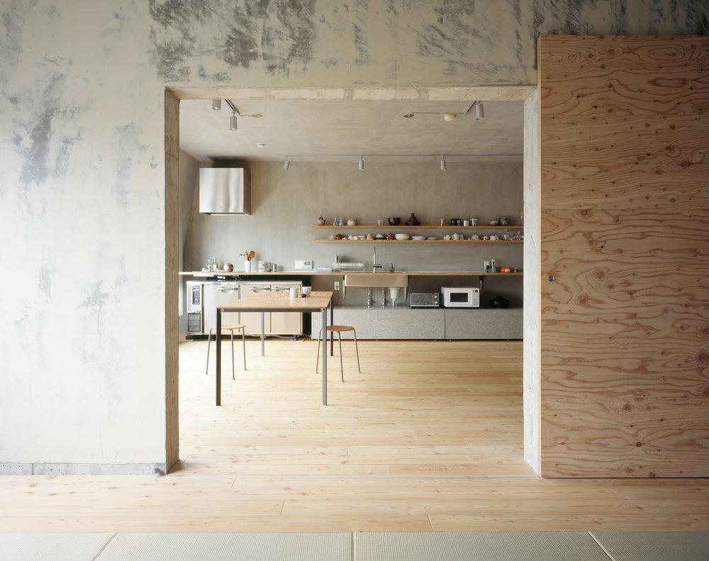 Naruse Inokuma Architects + Hiroko Karibe Archiects 'Setagaya Flat'