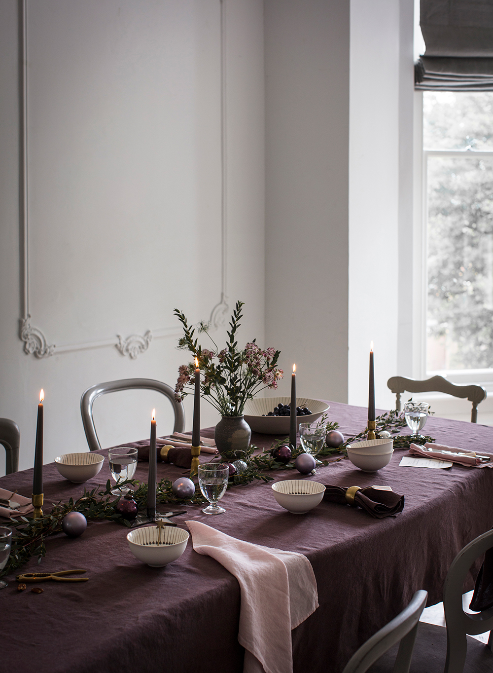 THE-LINEN-WORKS-I-Table-Linen-Aubergine-Tablecloth;-Rose-Napkin.jpg