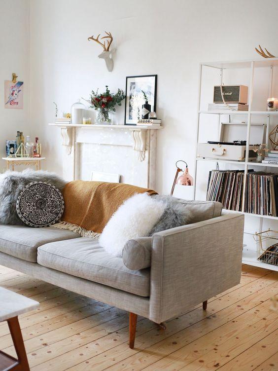 Pinks Living Room.jpg