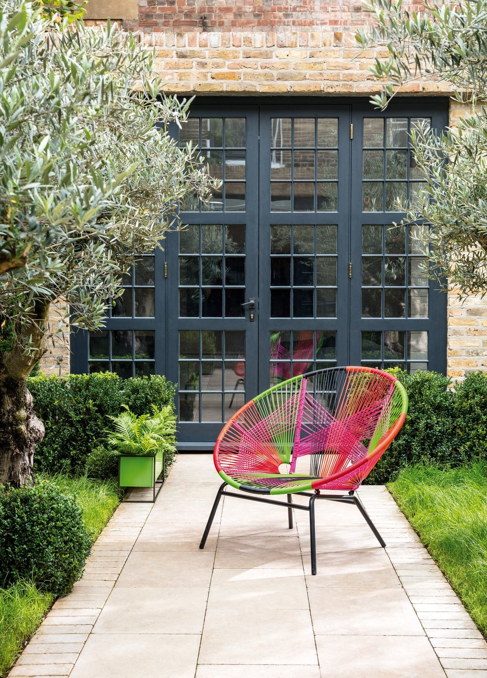 ss18-outdoor-jambi-multi-colour-occ-chair-778393.jpg