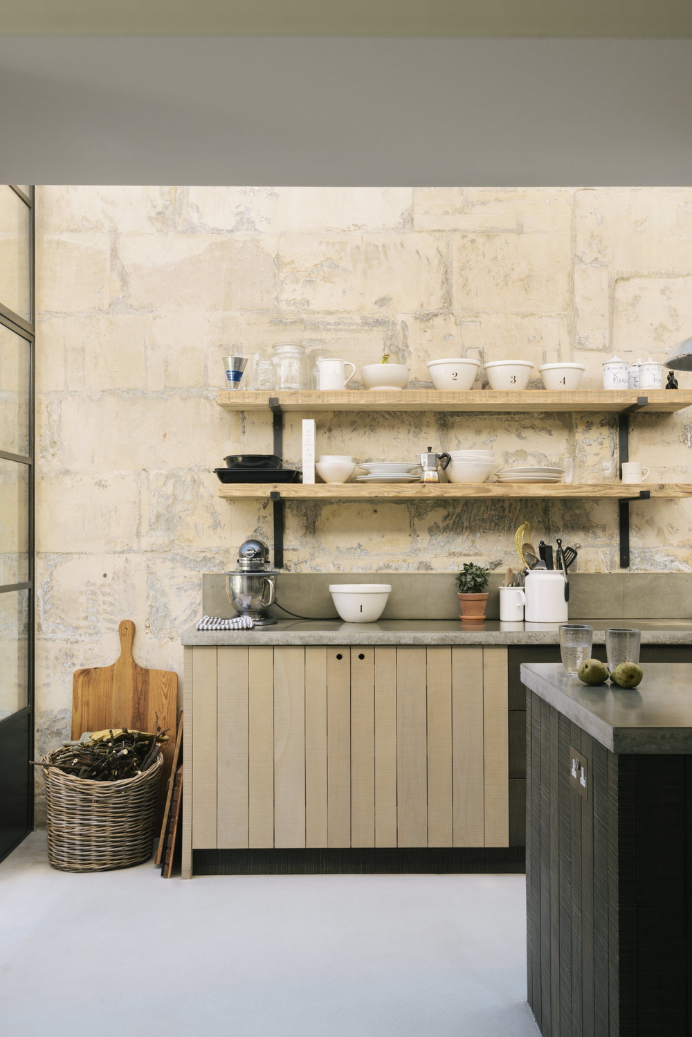 LIV for Interiors / Modern Rustic deVOL Kitchen