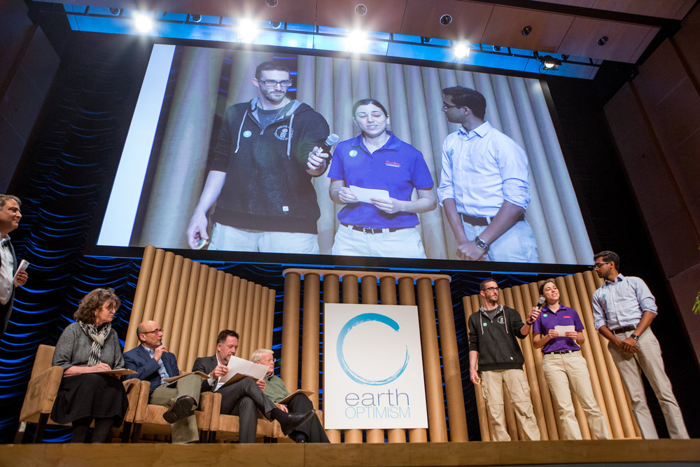 Team Terramedics pitching their solution (photo credit Ronda Gregorio).