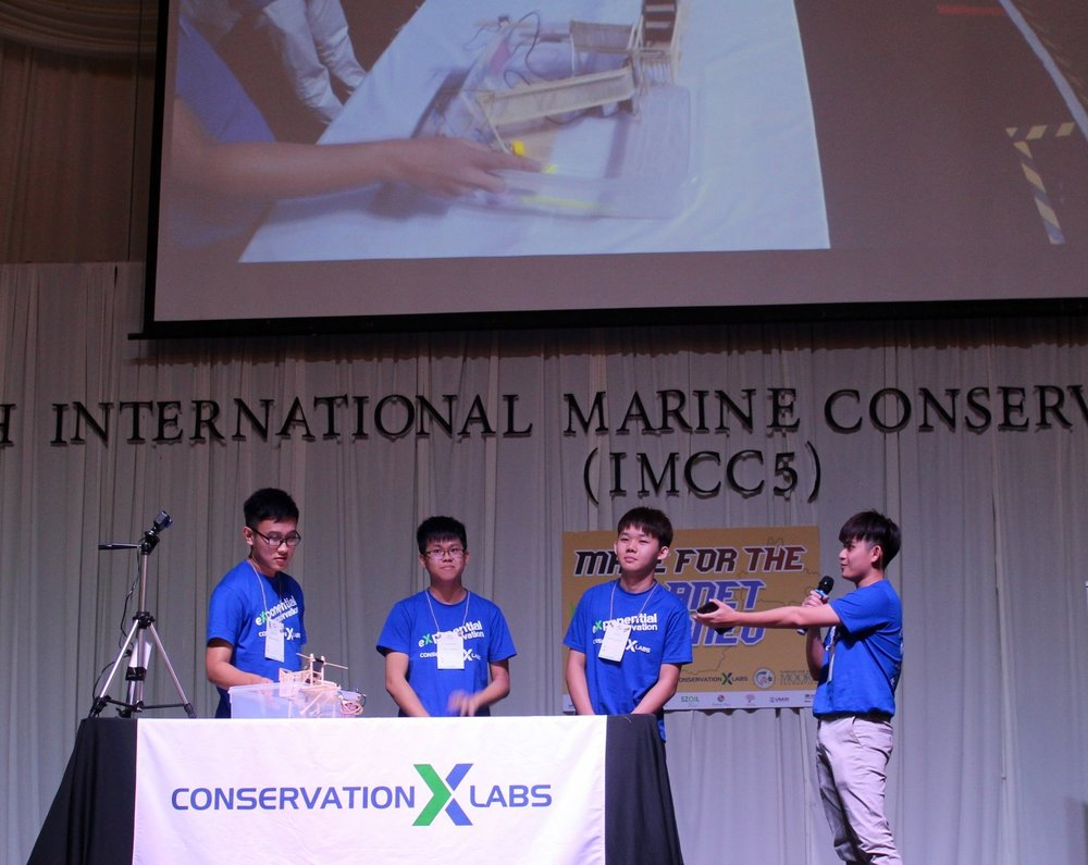 Team Seahorse Warriors demonstrating the Bubu Trap at the IMCC5 pitch session.