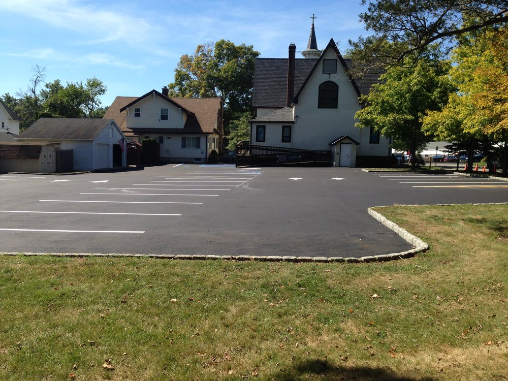 Commercial Asphalt Parking lot in Far Hills, New Jersey