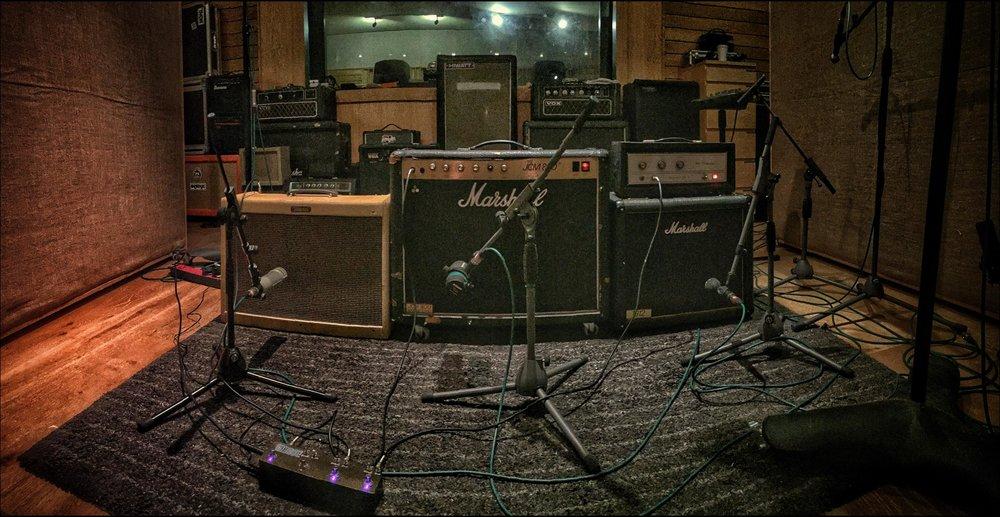 Rhythm Wall - Fender Blues Deluxe / Marshall JCM 800 / Silvertone SS Bass 30 & Marshall 1912