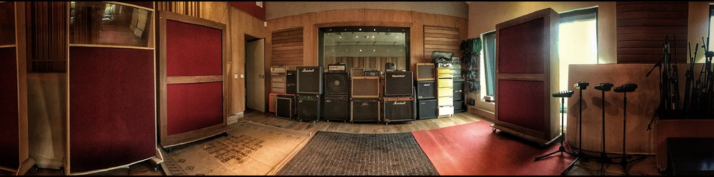 Live Room Front