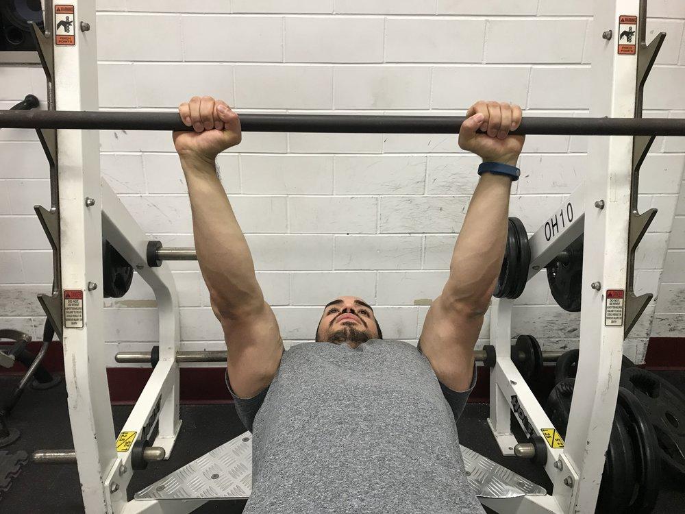 close-grip-bench-width