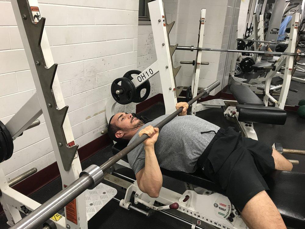 close-grip-bench-press-technique
