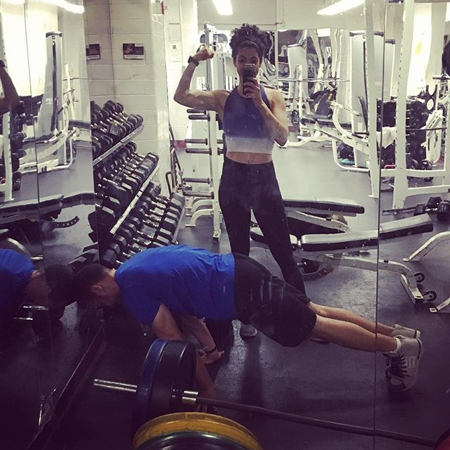 Planching + Biceps #reallove #fitcouple #fitness #strong #biceps #arms #workout #back #abs