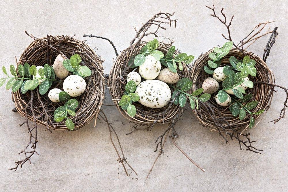 A változás az egyedüli állandóság: az újjászületés örök jele, a főnix tojása. - (C. Baldwin)