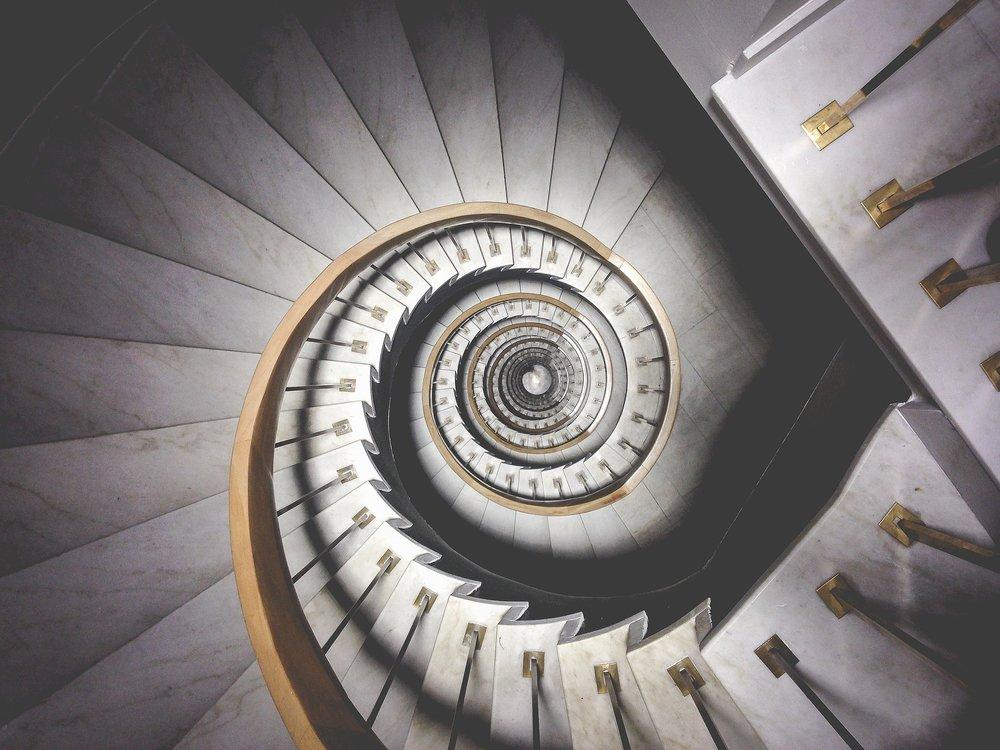Lehetséges kilépni a maximalizmus örvényéből. -