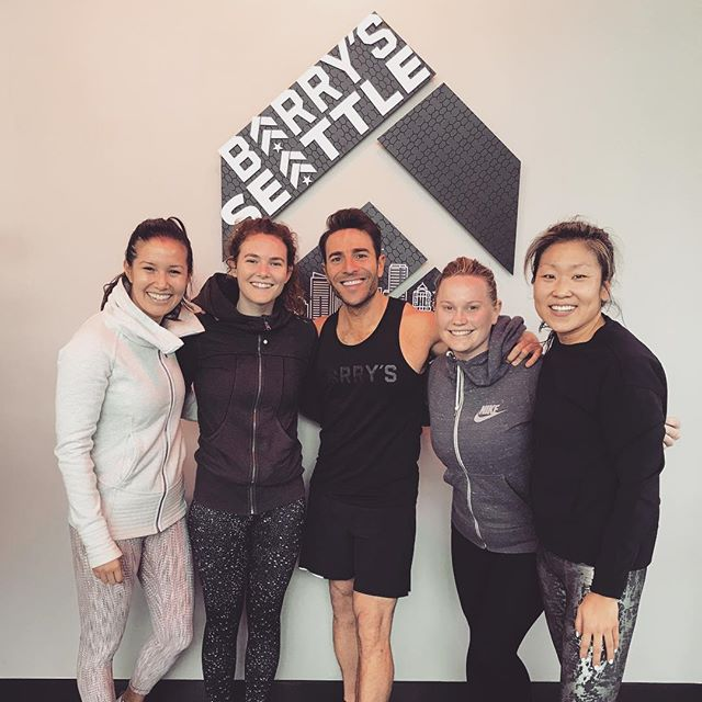 Seattle, buckle up, @barrysbootcamp is here, it's open and it's legit! Thanks to @joeygonzalez for hosting such a great class!! 💪🏻👏❤️ . . #barrysseattle #fitfam #seattlefitness #fitmom #loveyoursquad #barrysbootcamp #fitnessblogger
