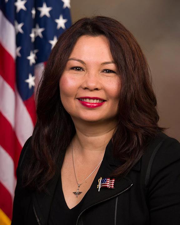 Tammy_Duckworth,_official_portrait,_113th_Congress.jpg