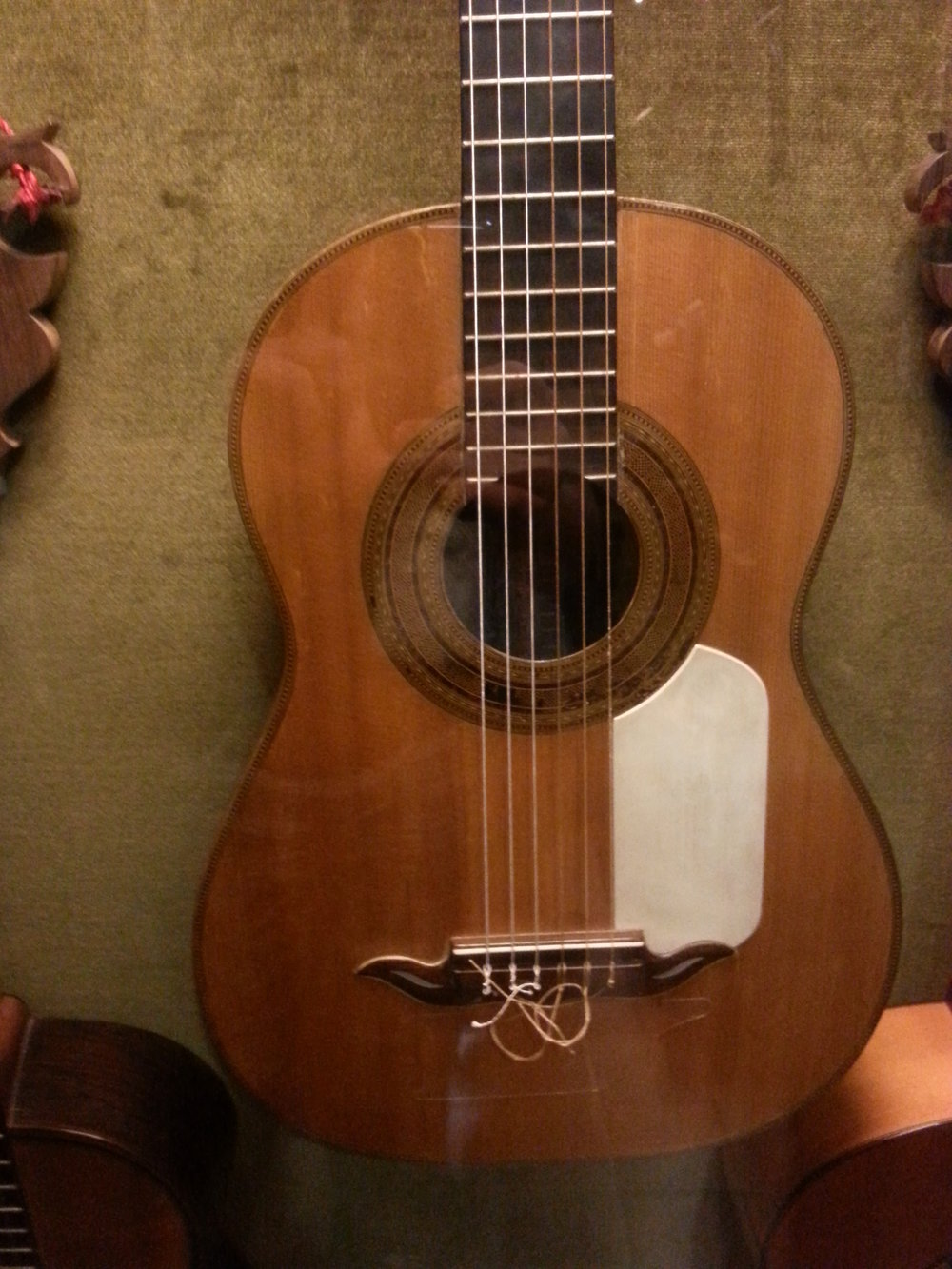 The Antonio de Torres guitar  FE 01