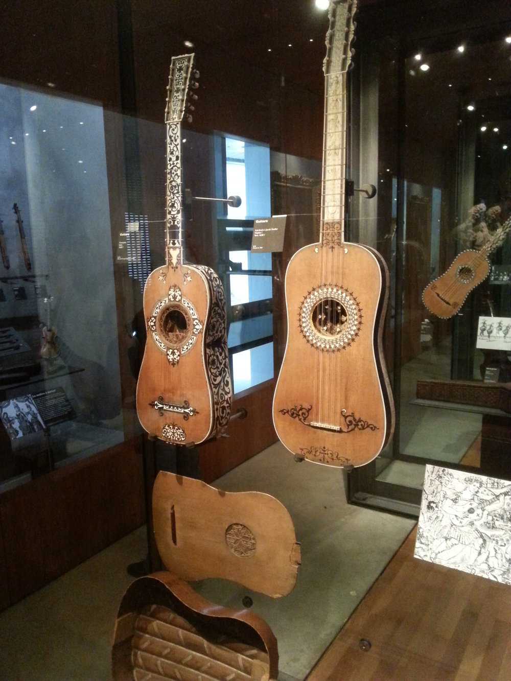 More Baroque guitars!