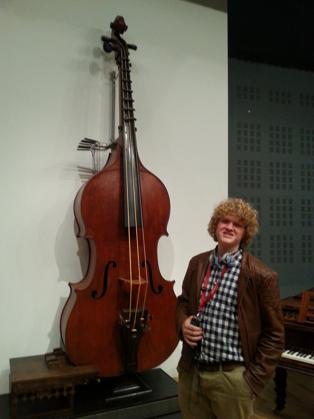 Here we have the Famous Octobass. With me on the side!
