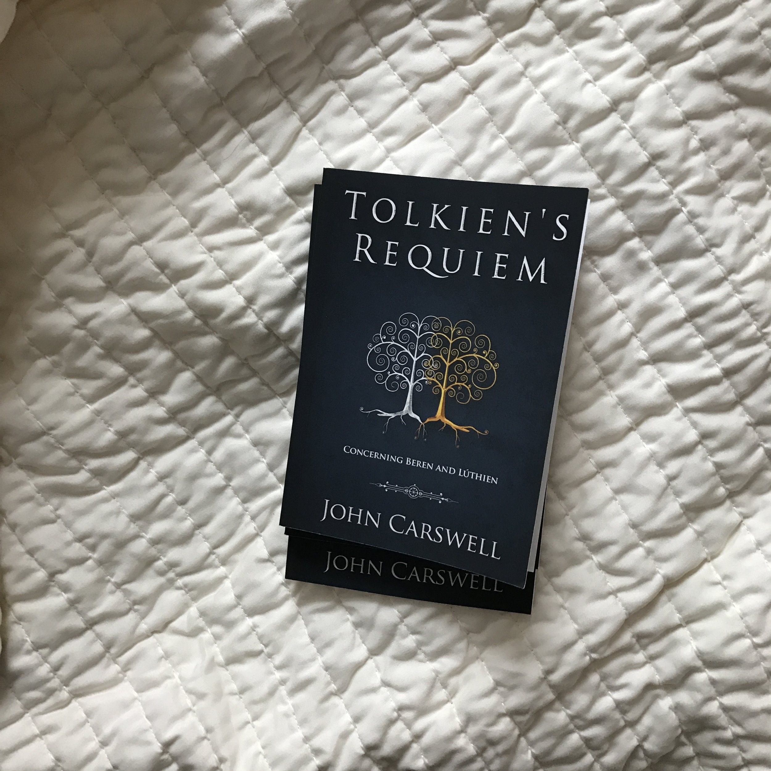 R Symbol or Substance?: A Dialogue on the Eucharist with C R Lewis Billy Graham and J Tolkien S