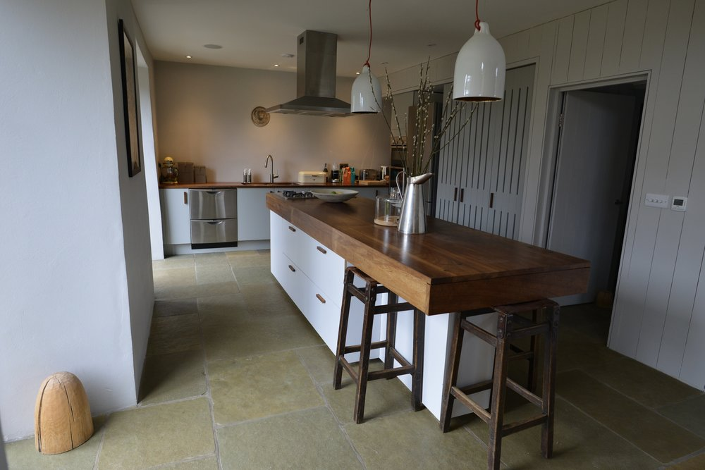 A kitchen for a barn conversion in Oxfordshire