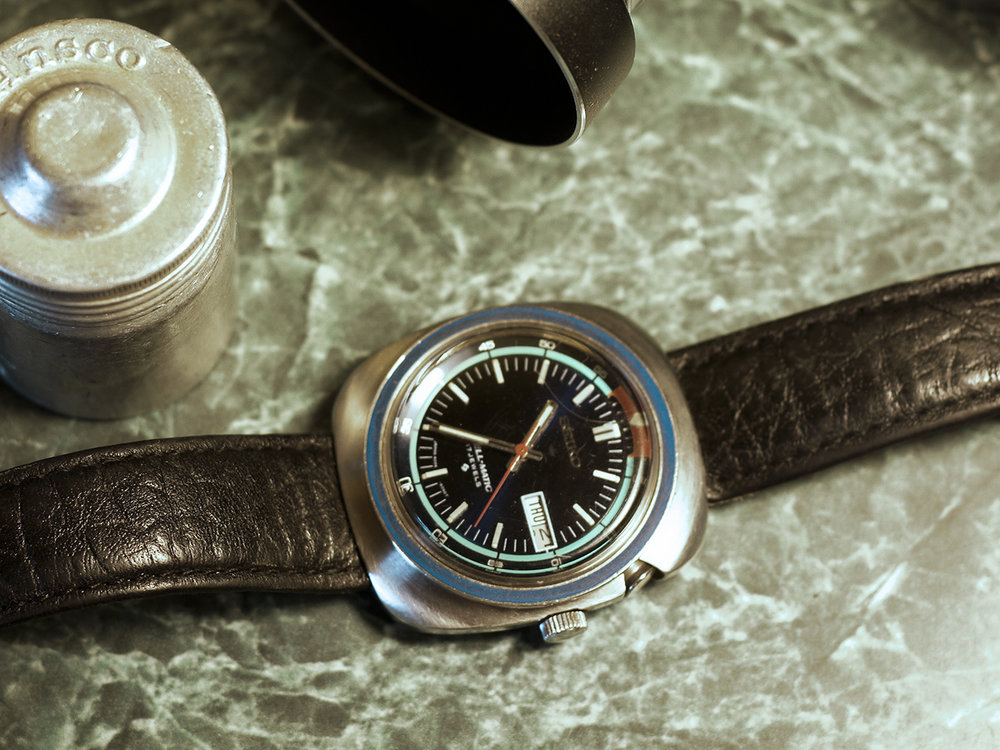1969 Bell Matic 4006-6027. The original steel bracelets can be difficult to find in larger sizes. The alarm is set for 12:00