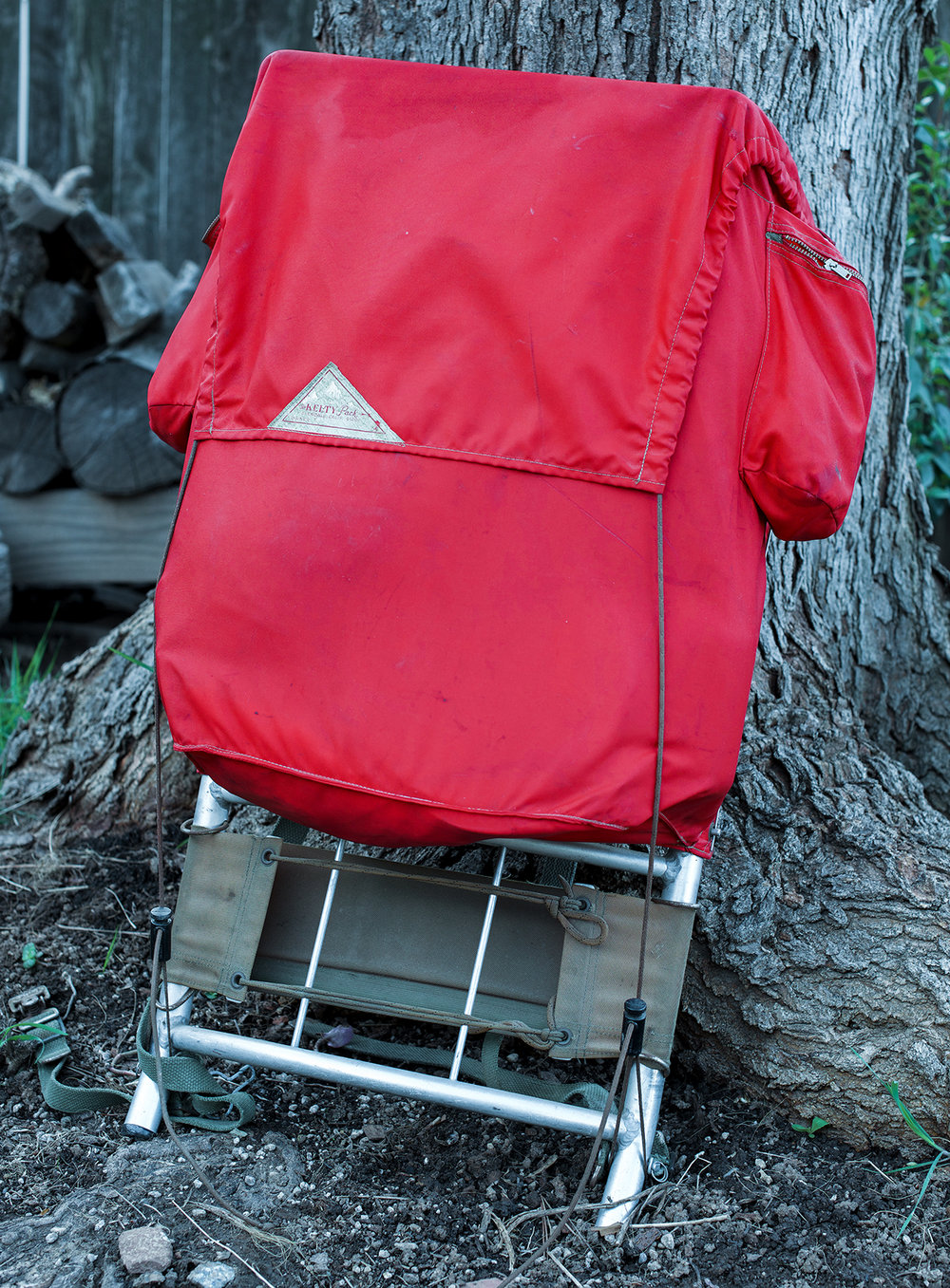 The payload section of the pack. This is a fairly simple bag without the bottom pocket. Your sleeping bag straps to the frame below the pack bag. The tent can be strapped to the bottom as well, giving easy access to the contents of the pack.
