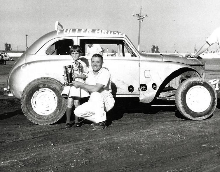 Wally Baker at Capital Speedway, 1960. (photo courtesy: West Capital Raceway Alumni Association)