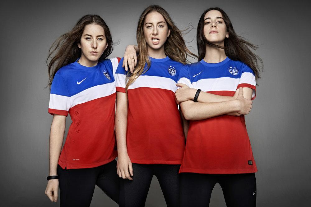 Haim Nike1.jpg