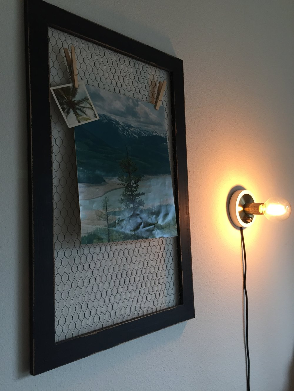 Riddance Home Wiring A Single Bulb Light Fixture Simple Wire Board To Display Photos Accented By Creates Warm Glow And Sense Of Openess In This Space