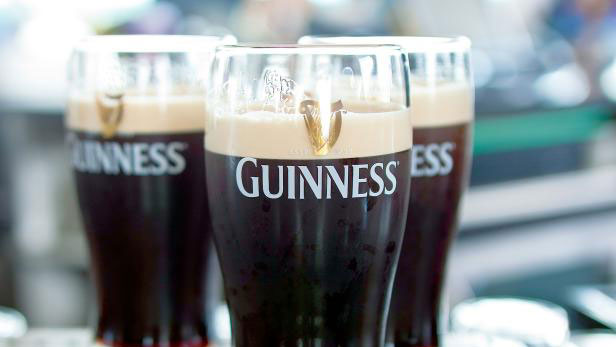 how to pour a guinness — travel channel