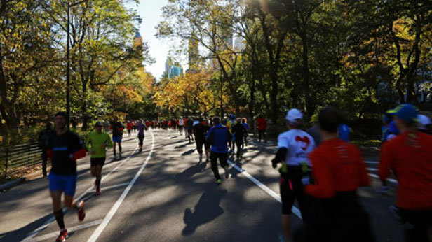 mf blog: nyc marathon runners aid superstorm victims — men's fitness