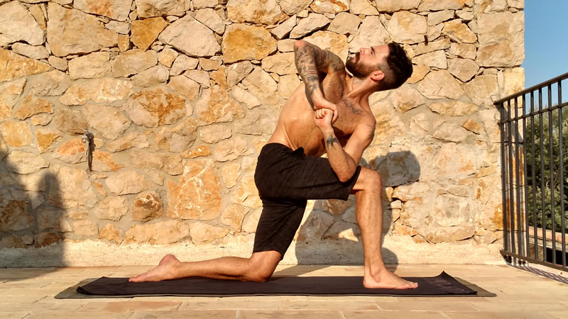 Daily practice challenge: strengthening hip openers and twists — Yoga journal