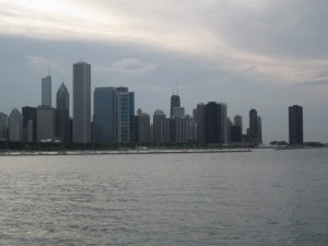bunk up in downtown chicago on a fun (and cheap!) midwest beach vacation — lgw