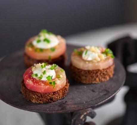 One of Gourmondo's dishes: Chiogga Beet on Rye Crisp