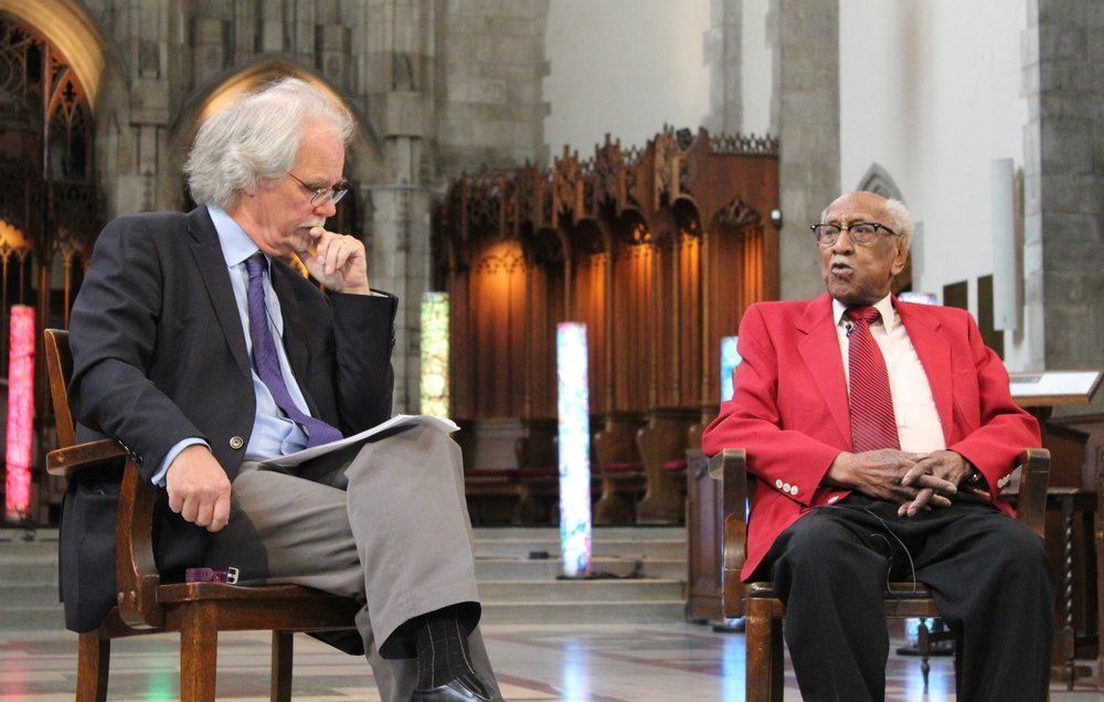 Bart Schultz interviews Timuel Black at Rockefeller Chapel. (photo by Leah Castleberry)