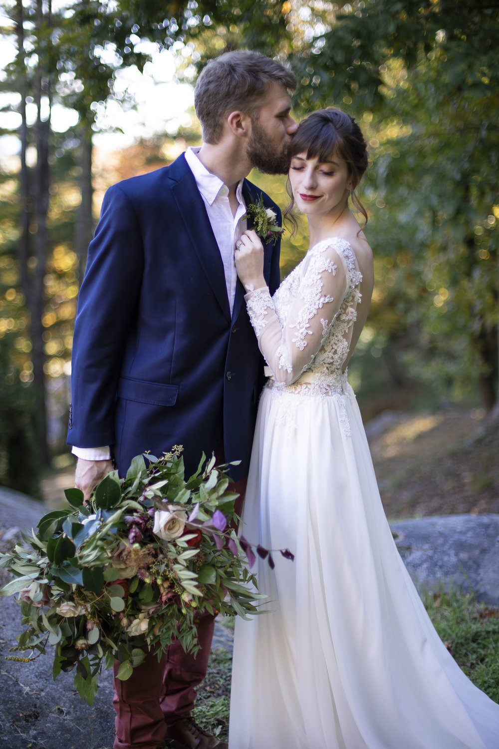 Laurel Falls Wedding October 2018_Allison and Josh__Lola Salon_Flora_Photo by Studio Misha Photography-39.jpg