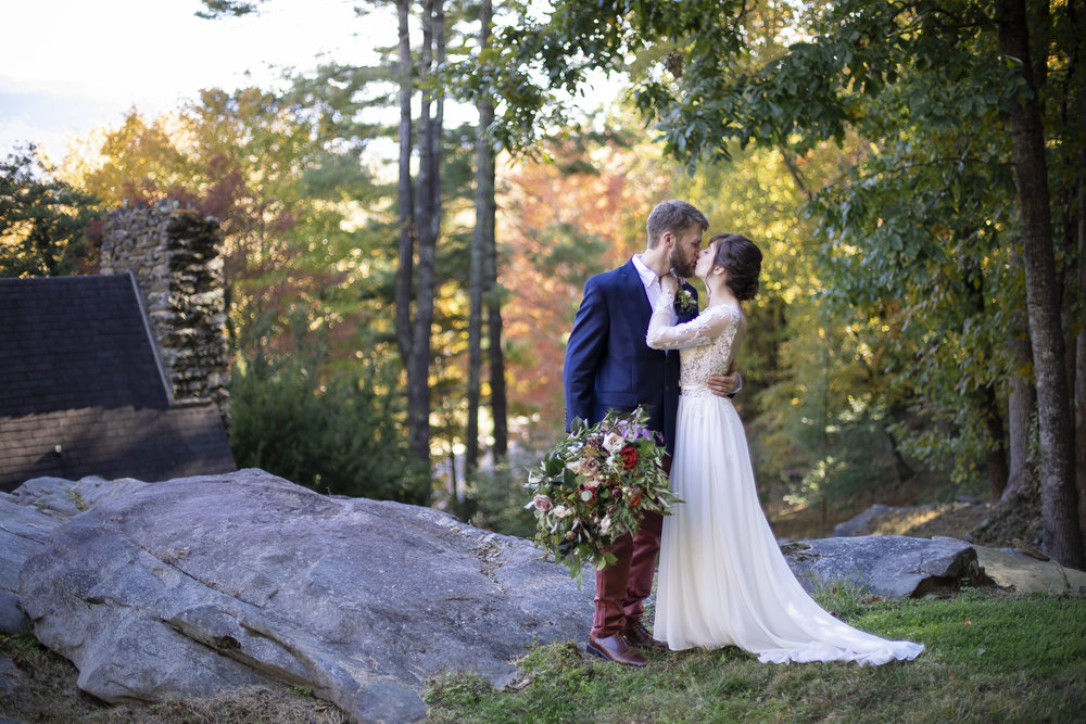 Laurel Falls Wedding October 2018_Allison and Josh__Lola Salon_Flora_Photo by Studio Misha Photography-52.jpg